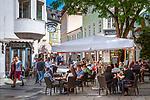 Deutschland, Niederbayern, Passau: Cafés und Restaurants in der Fussgangerzone der Altstadt | Germany, Lower Bavaria, Passau: cafés and restaurants in pedestrian area of old town
