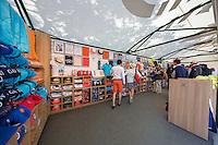 Paris, France, 25 June, 2016, Tennis, Roland Garros,  ambiance, Boutique<br /> Photo: Henk Koster/tennisimages.com
