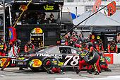 #78: Martin Truex Jr., Furniture Row Racing, Toyota Camry 5-hour ENERGY/Bass Pro Shops pit stop