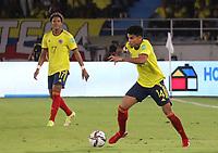 BARRANQUILLA – COLOMBIA, 09-09-2021: Luis Diaz de Colombia (COL) durante partido entre los seleccionados de Colombia (COL) y Chile (CHI), de la fecha 9 por la clasificatoria a la Copa Mundo FIFA Catar 2022, jugado en el estadio Metropolitano Roberto Melendez en Barranquilla. / Luis Diaz of Colombia (COL) during match between the teams of Colombia (COL) and Chile (CHI), of the 9th date for the FIFA World Cup Qatar 2022 Qualifier, played at Metropolitan stadium Roberto Melendez in Barranquilla. / Photo: VizzorImage / Jairo Cassiani / Cont.