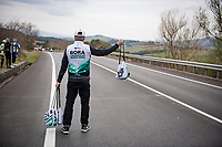 feedzone<br /> <br /> Stage 2 from Camaiore to Chiusdino (202km)<br /> <br /> 56th Tirreno-Adriatico 2021 (2.UWT) <br /> <br /> ©kramon
