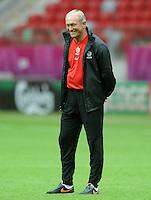 11.06.2012 WARSZAWA STADION NARODOWY.PILKA NOZNA KADRA REPREZENTACJA.MISTRZOSTWA EUROPY W PILCE NOZNEJ EURO2012 POLSKA I UKRAINA.FOOTBALL EUROPEAN CHAMPIONSHIPS UEFA EURO 2012.TRENING PREPREZENTACJI POLSKI .N/Z FRANCISZEK SMUDA.FOT LUKASZ LASKOWSKI / PRESSFOCUS NEWSPIXPL.---.Newspix.pl