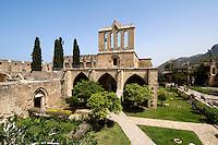 Nordzypern, gotische Abtei Bellapais bei Girne (Keryneia, Kyrenia), erbaut 1205