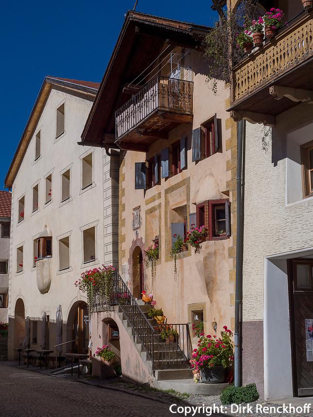 Historisches Dorf Ardez, Scuol, Unterengadin, Graubünden, Schweiz, Europa<br /> Historic village Ardez, Scuol, Engadine, Grisons, Switzerland