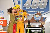 #18: Kyle Busch, Joe Gibbs Racing, Toyota Camry M&M's wins