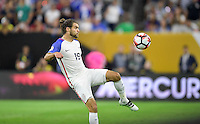 Houston, TX - Tuesday June 21, 2016: Graham Zusi during a Copa America Centenario semifinal match between United States (USA) and Argentina (ARG) at NRG Stadium.