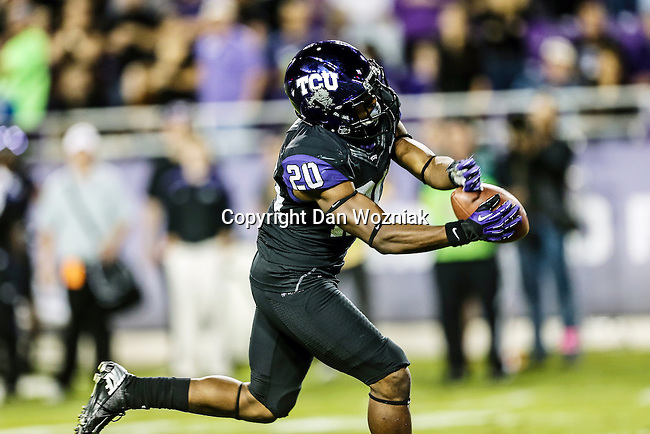 TCU Horned Frogs cornerback Deante' Gray (20) in action during the game between the Kansas State Wildcats and the TCU Horned Frogs  at the Amon G. Carter Stadium in Fort Worth, Texas. Kansas State defeats TCU 23 to 10...