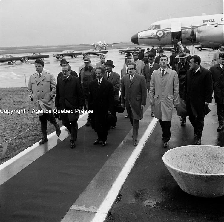 le premier ministre Daniel Johnson lors de L'arrivee de Haile Selassie <br /> a Quebec, 3 mai 1967 en vue de l'Expo 67.<br /> <br /> Photo : Agence Quebec Presse<br /> - Photo Moderne