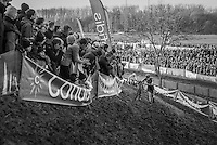 Jim Aernouts (BEL/Telenet-Fidea) on the slippery slope of the river bank<br /> <br /> Elite Men's Race<br /> Soudal Jaarmarktcross Niel 2016