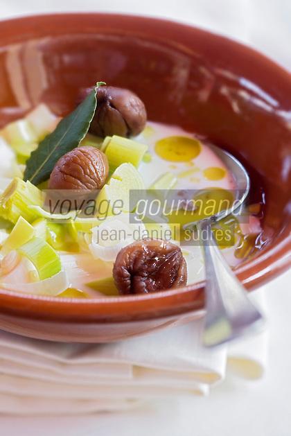 Europe/France/Provence-Alpes-Côte d'Azur/06/Alpes-Maritimes/Nice: Soupe de châtaignes  et poireaux recette de Marco  du restaurant La Zucca Magica