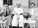 Irak 1960?.Souleimania; au centre, Sheikh Ahmed et a droite, sheikh Latif , fils de sheikh Mahmoud.Iraq 1960?.Suleimania: In the middle, Sheikh Ahmed and right, Sheikh Latif , son of sheikh Mahmoud
