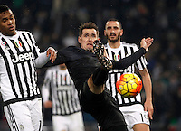 Calcio, quarti di finale di Coppa Italia: Lazio vs Juventus. Roma, stadio Olimpico, 20 gennaio 2016.<br /> Lazio's Miroslav Klose, right, is challenged by Juventus' Alex Sandro during the Italian Cup quarter final football match between Lazio and Juventus at Rome's Olympic stadium, 20 January 2016.<br /> UPDATE IMAGES PRESS/Isabella Bonotto