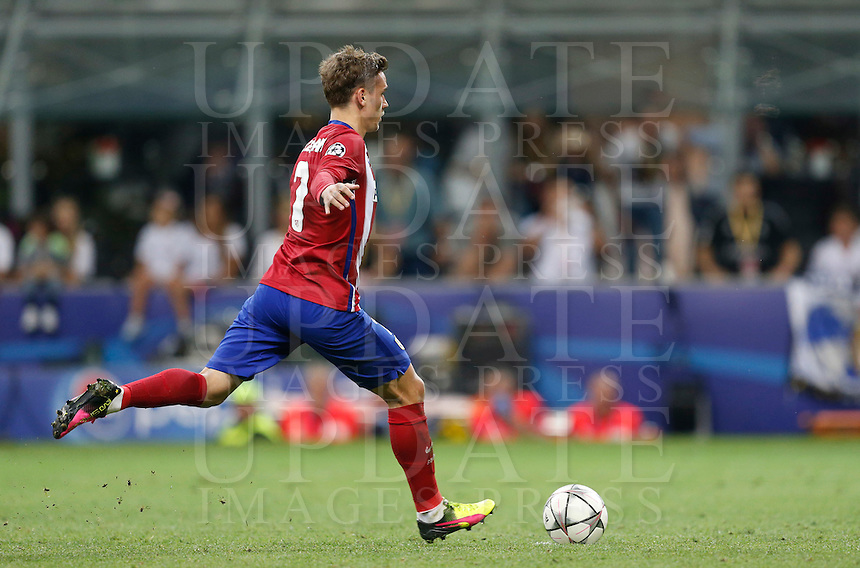 Calcio, finale di Champions League: Real Madrid vs Atletico Madrid. Stadio San Siro, Milano, 28 maggio 2016.<br /> Atletico Madrid Antoine Griezmann kicks to score during the penalty shootout of the Champions League final match between Real Madrid and Atletico Madrid, at Milan's San Siro stadium, 28 May 2016. Real Madrid won 5-4 on penalties after the match ended 1-1.<br /> UPDATE IMAGES PRESS/Isabella Bonotto