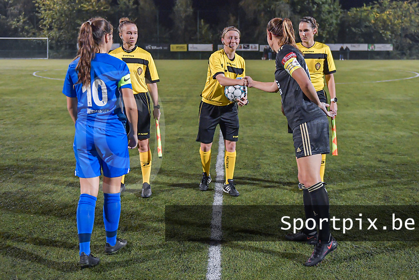 Genk's midfielder Sien Vandersanden (10) , assistant referee Shauni Depruyst , referee Lois Otte , assistant referee Caroline Lanssens and OHL's midfielder Lenie Onzia (18) pictured during a female soccer game between  Racing Genk Ladies and Oud Heverlee Leuven on the fourth matchday of the 2020 - 2021 season of Belgian Scooore Womens Super League , friday 9 th of October 2020  in Genk , Belgium . PHOTO SPORTPIX.BE | SPP | STIJN AUDOOREN