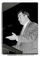 Lucien Bouchard et Gilles Duceppe, entre 1995 et 2002<br />   (date exacte inconnue)<br /> <br /> PHOTO : Agence Quebec Presse<br /> <br /> <br />  NOTE : Lorsque requis la photo commandée sera recadrée et ajustée parfaitement.