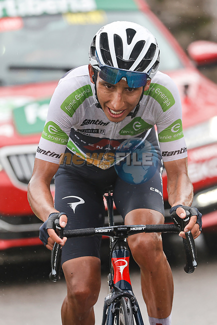 White Jersey Egan Bernal (COL) Ineos Grenadiers attacks on the second time up La Collada Llomena during Stage 17 of La Vuelta d'Espana 2021, running 185.8km from Unquera to Lagos de Covadonga, Spain. 1st September 2021.    <br /> Picture: Luis Angel Gomez/Photogomezsport | Cyclefile<br /> <br /> All photos usage must carry mandatory copyright credit (© Cyclefile | Luis Angel Gomez/Photogomezsport)