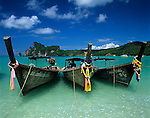 Thailand, Krabi Province, Andaman Coast, Ko Phi Phi Island, Phi Phi Don: Longtail boats | Thailand, Provinz Krabi, Andamanen Kueste, Ko Phi Phi Insel, Phi Phi Don: Longtail Boote