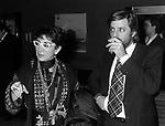 """LINA WERTMULLER E GIANCARLO GIANNINI<br /> PREMIO DEL CINEMA """"MASCHERA D'ORO"""" RODOLFO VALENTINO - TEATRO POLITEAMA LECCE 12 1976"""