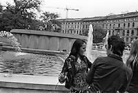 Milano, Mayday Parade, manifestazione del 1. maggio di gruppi e organizzazioni di sinistra contro il lavoro precario. Una ragazza con una rosa --- Milan, Mayday Parade, 1st of May manifestation of leftist groups and organizations against temporary work. A girl with a rose