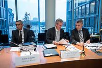 2. NSU-Untersuchungsausschuss dees Deutschen Bundestag.<br /> Aufgrund vieler Ungeklaertheiten und Fragen sowie vielen neuen Erkenntnissen ueber moegliche Verstrickungen verschiedener Geheimdienste in das Terror-Netzwerk Nationalsozialistischen Untergrund (NSU) wurde von den Abgeordneten des Bundestgas ein zweiter Untersuchungsausschuss eingesetzt.<br /> Am Donnerstag den 17. Dezember fand die 1. oeffentliche Sitzung des 2. NSU-Untersuchungsausschuss des Deutschen Bundestag statt.<br /> Bildmitte: Der Ausschussvorsitzende Clemens Binninger, CDU.<br /> 17.12.2015, Berlin<br /> Copyright: Christian-Ditsch.de<br /> [Inhaltsveraendernde Manipulation des Fotos nur nach ausdruecklicher Genehmigung des Fotografen. Vereinbarungen ueber Abtretung von Persoenlichkeitsrechten/Model Release der abgebildeten Person/Personen liegen nicht vor. NO MODEL RELEASE! Nur fuer Redaktionelle Zwecke. Don't publish without copyright Christian-Ditsch.de, Veroeffentlichung nur mit Fotografennennung, sowie gegen Honorar, MwSt. und Beleg. Konto: I N G - D i B a, IBAN DE58500105175400192269, BIC INGDDEFFXXX, Kontakt: post@christian-ditsch.de<br /> Bei der Bearbeitung der Dateiinformationen darf die Urheberkennzeichnung in den EXIF- und  IPTC-Daten nicht entfernt werden, diese sind in digitalen Medien nach §95c UrhG rechtlich geschuetzt. Der Urhebervermerk wird gemaess §13 UrhG verlangt.]