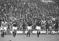 30.07.1966. Wembley Stadium, London England. 1966 World Cup final England versus Germany (4-2) After Extra time.  Gordon Banks, Bobby Moore, Roger Hunt and  Geoff Hurst (all ENG) celebrate their win