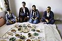 Irak 1991 Dejeuner chez Saad Abdullah, 2eme a gauche , avec Adnan Mufti  Iraq 1991 Lunch with Saad Abdullah, 2nd Left with Adnan Mufti