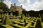 United Kingdom, England, Gloucestershire, Cotswolds, Bourton-on-the-Hill: Bourton House Garden | Grossbritannien, England, Gloucestershire, Cotswolds, Bourton-on-the-Hill: Bourton House Garden