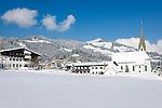 Austria, Tyrol, Reith near Kitzbuhel at Brixen Valley: at background Kitzbuhel Alps | Oesterreich, Tirol, Reith bei Kitzbuehel im Brixental: im Hintergrund die Kitzbueheler Alpen