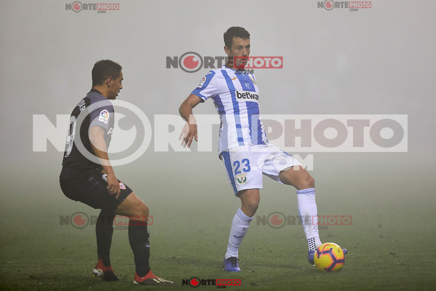 CD Leganes' Mikel Vesga and Sevilla FC's Ben Yedder during La Liga match between CD Leganes and Sevilla FC at Butarque Stadium in Leganes, Spain. December 23, 2018. (ALTERPHOTOS/A. Perez Meca) /NortEPhoto.com