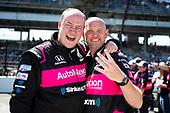 #06: Helio Castroneves, Meyer Shank Racing Honda crew celebrating win