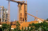 - chemical industrial area of Portoscuso-Portovesme (Sardinia)....- area industriale chimica di Portoscuso-Portovesme (Sardegna)