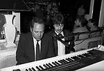 CARLO VERDONE AL PIANOFORTE<br /> VELENO CLUB ROMA 1984