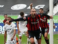 celebrate the goal, Torjubel zum 2:1 Bas Dost (Eintracht Frankfurt)<br /> - 03.10.2020: Fussball  Bundesliga, Saison 20/21, Spieltag 3, Eintracht Frankfurt vs. TSG 1899 Hoffenheim, emonline, emspor, v.l. Deutsche Bank Park<br /> Foto: Marc Schueler/Sportpics.de <br /> Nur für journalistische Zwecke. Only for editorial use. (DFL/DFB REGULATIONS PROHIBIT ANY USE OF PHOTOGRAPHS as IMAGE SEQUENCES and/or QUASI-VIDEO)