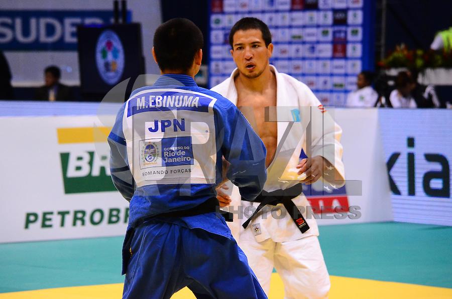 RIO DE JANEIRO, RJ,27 DE AGOSTO DE 2013 -CAMPEONATO MUNDIAL DE JUDÔ RIO 2013-O japonês Ebinuma (de azul) derrotouMukanov do Kazaquistão(de branco) e conquistou a medalha de ouro na categoria 66kg no Mundial de Judô Rio 2013, no Maracanazinho de 26 de agosto a 01 de setembro, zona norte do Rio de Janeiro.FOTO:MARCELO FONSECA/BRAZIL PHOTO PRESS