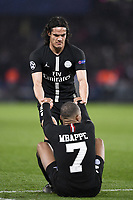 dejection - 07 KYLIAN MBAPPE (PSG) - FAIR PLAY - 09 EDINSON CAVANI (PSG)<br /> Parigi 6-03-2019 <br /> Paris Saint Germain - Manchester United <br /> Champions League 2018/2019<br /> Foto Anthony Bibard / Panoramic / Insidefoto