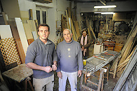- Milano, gli artigiani del quartiere Ticinese Barona; Aldo Carbonetto e figlio, falegnami<br /> <br /> - Milan, the artisans of Ticinese Barona district; Aldo Carbonetto and son, carpenters