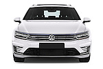 Car photography straight front view of a 2016 Volkswagen Passat-Variant GTE 5 Door wagon Front View