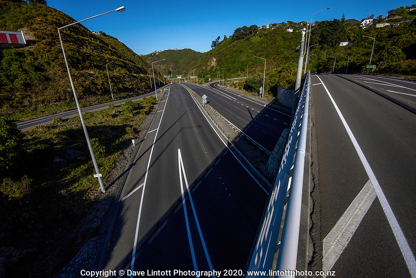 State Highway One Wellington urban motorway at 9am through Ngauranga Gorge during lockdown for the COVID19 pandemic in Wellington, New Zealand on Wednesday, 15 April 2020. Photo: Dave Lintott / lintottphoto.co.nz