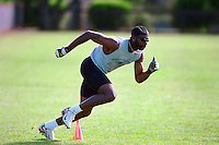 PALO ALTO, CA - Jerry Rice works out at Stanford University in Palo Alto, California in 2001. Photo by Brad Mangin