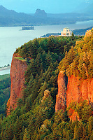 The Vista House at Crown Point State park along the Historic Columbia River Highway, Columbia River Gorge National Scenic Area, Oregon