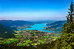 Deutschland, Bayern, Oberbayern, Tegernseer Tal, Blick vom Wallberg ueber den Tegernsee | Germany, Bavaria, Upper Bavaria, view from Wallberg mountain across Tegernseer Valley with Lake Tegern