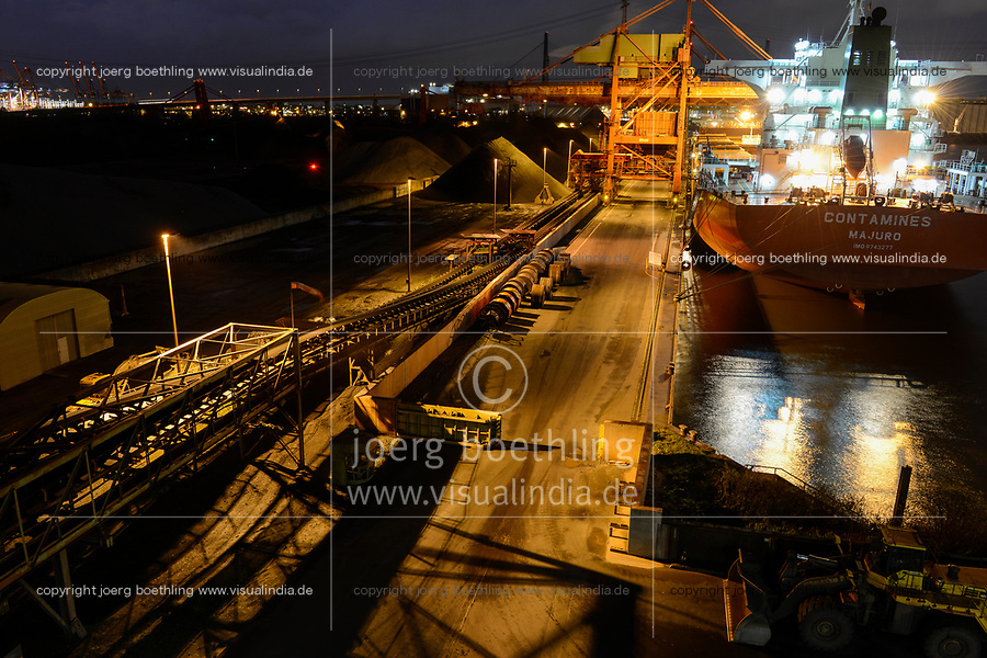 Germany, Hamburg, Hansaport import of coal and ore, unloading of cannadian coal from vessel Contamines / DEUTSCHLAND, Hamburg, Hansaport, Import von Kohle und Erz, Entladung von kannadischer Kohle vom Schiff Contamines