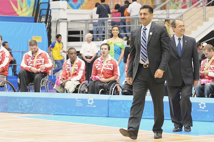 Bal Gossal, Guadalajara 2011 - Wheelchair Basketball // Basketball en fauteuil roulant.<br /> Team Canada receives their bronze medals // Équipe Canada reçoit ses médailles de bronze. 11/18/2011.