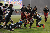 Billy Vunipola of Saracens sniffs the tryline as George Kruis of Saracens supports during the Premiership Rugby match between Saracens and Leicester Tigers - 02/01/2016 - Allianz Park, London<br /> Mandatory Credit: Rob Munro/Stewart Communications