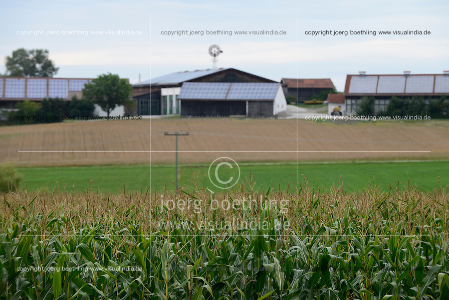 GERMANY Bavaraia farm with maize field for Biogas plant and photovoltaic panel / DEUTSCHLAND, Maisanbau fuer Biogasanlage, Bauernhof mit Photovoltaik Anlage und Kleinwindanlage in Wuhrmannsquick/Bayern