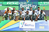 PALMIRA - COLOMBIA, 14-10-2020: Jugadores del Chicó posan para una foto previo al e partido entre Deportivo Cali y Boyacá Chicó F.C. por la fecha 14 de la Liga BetPlay DIMAYOR I 2020 jugado en el estadio Deportivo Cali de la ciudad de Palmira. / Players of Chico pose to a photo prior match for the date 14 as part of BetPlay DIMAYOR League I 2020 between Deportivo Cali and Boyaca Chico F.C. played at Deportivo Cali stadium in Palmira city.  Photo: VizzorImage / Nelson Rios / Cont