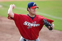 Donovan Hand (39) of the Huntsville Stars throws a bullpen session at the Baseball Grounds in Jacksonville, FL, Thursday June 12, 2008.