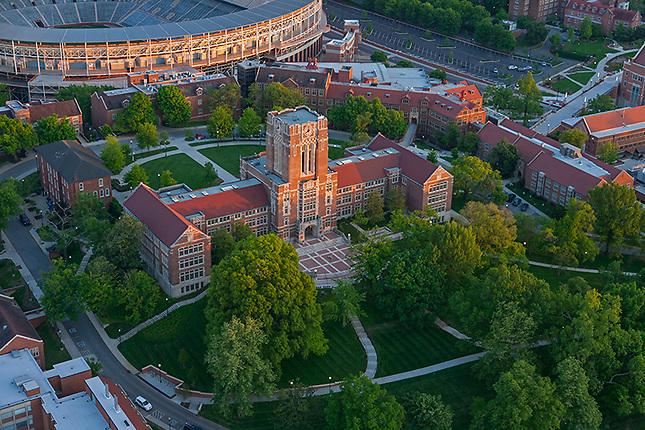 Ayres Hall UTK Campus