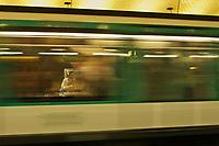 Europe/France/Ile de France/75/Paris: Dans le métro