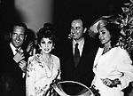 CARLO BUOZZI, GINA LOLLOBRIGIDA, ENRICO COVERI E MARINA RIPA DI MEANA<br /> FESTA ENRICO COVERI AL TOULA' <br /> MILANO 1989